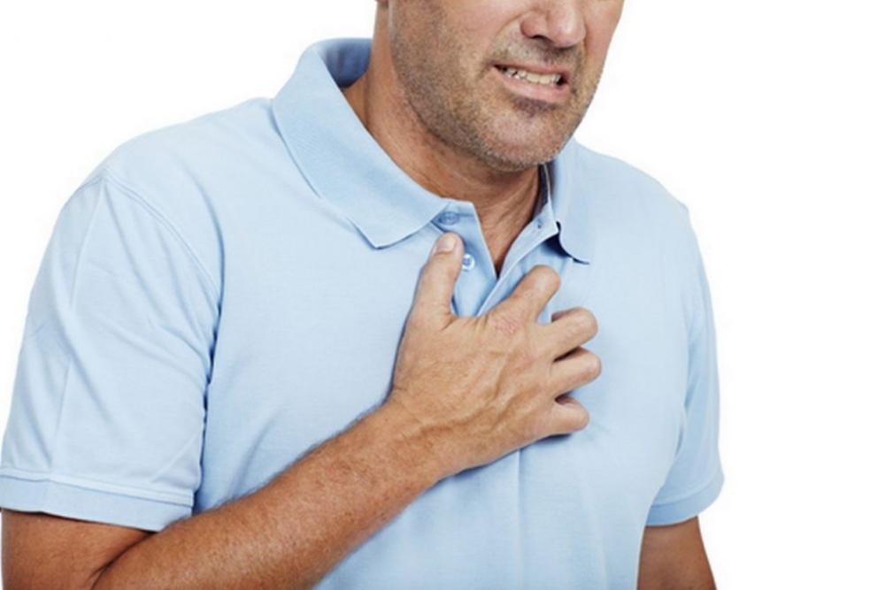 Triệu chứng tức ngực ở bệnh hen suyển là gì và cách điều trị?